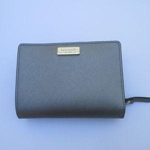 kate spade wallet Silver  zipper compartment